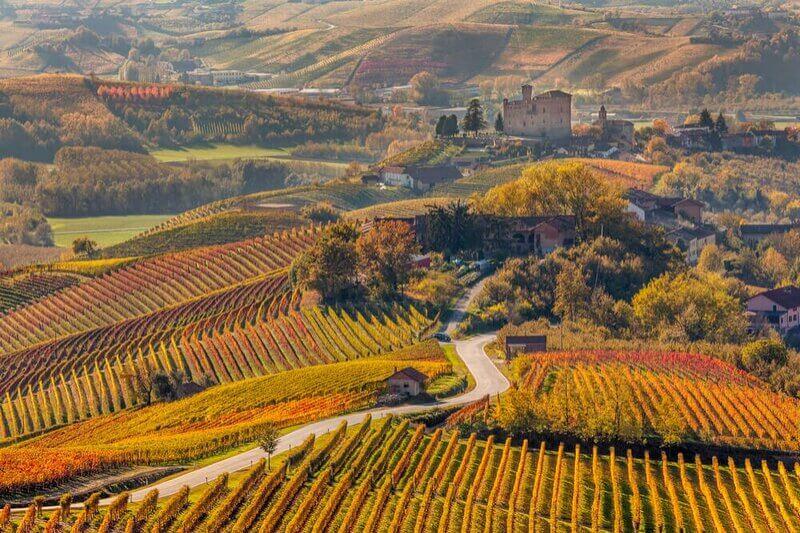 Casale Monferrato, Asti, Langhe, vignobles du Piémont, café artisanal et saveurs d'antan, café artisanal torréfié au feu de bois, Arabica, torréfaction artisanale italienne